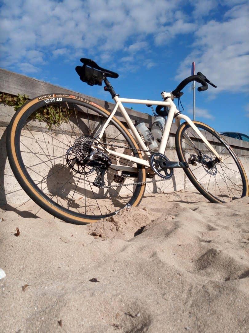 kolo na plaži iz mivke